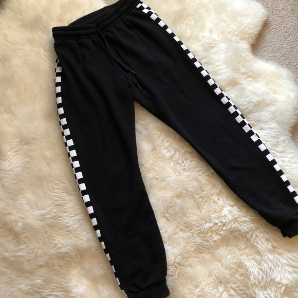 d83d25ba922d92 Forever 21 Pants - Forever 21 checkered joggers